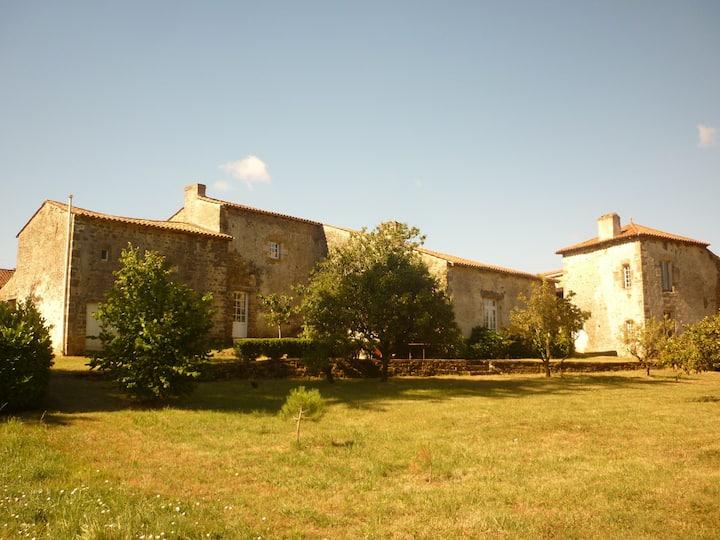 Chambre d'hôtes à la campagne, sud-Vendée (ter)