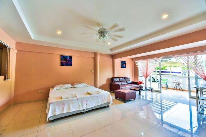 Comfortable, Calm & Cute Apartment