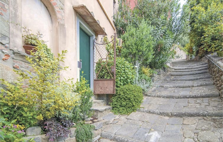 Terraced house with 2 bedrooms on 80m² in Massa e Cozzile PT