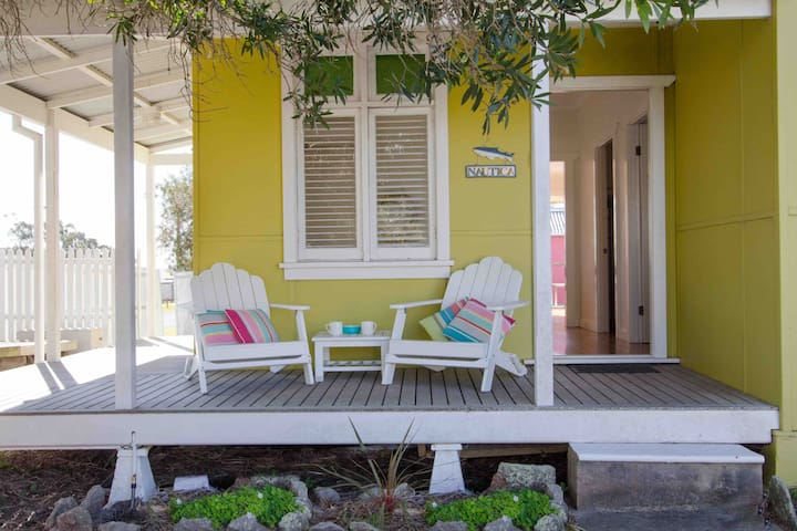 Nautica Beach Cottage-a cosy getaway