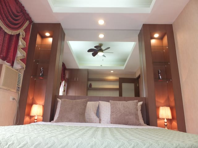 Simply Gorgeous Room @ The Heart of Malate!