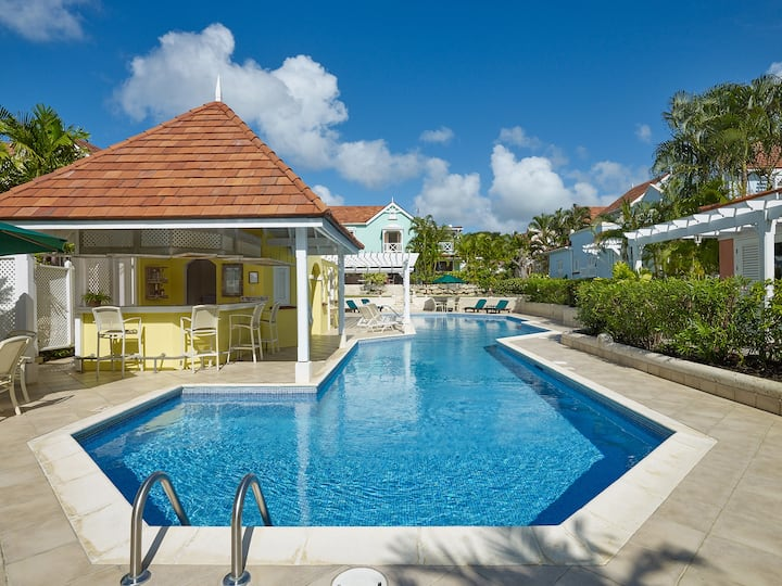 Tropical 2 bedroom villa with pool- close to beach