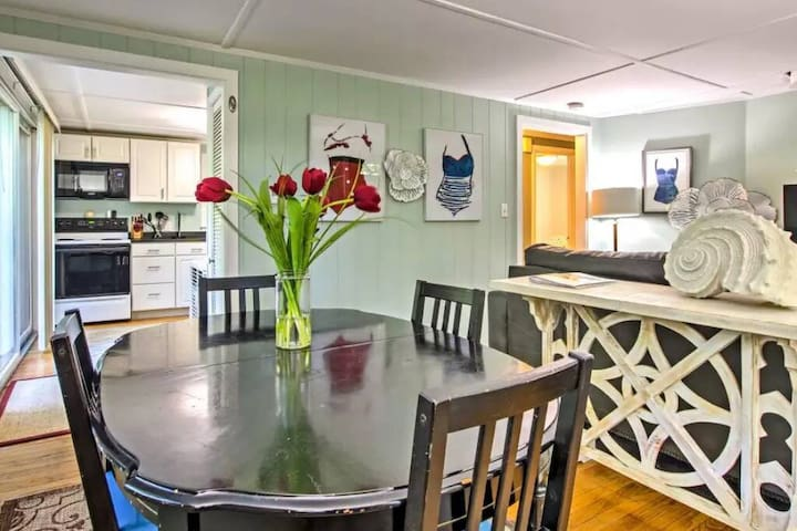 The Galilee Cottage - Ideal Narragansett Location!