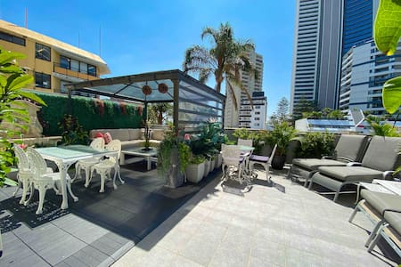 Surfers Paradise 5 Star Share Apt. with $5 Parking