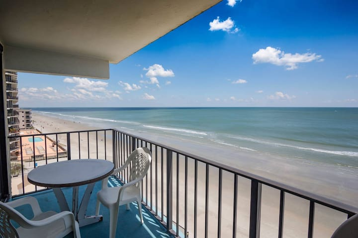 Room with a View?  How about 3? Big 3BR Oceanfront, Great Fifth Floor Corner View! - Garden City