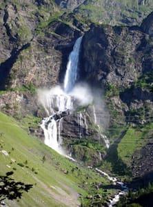 Ad un passo dalla cascata più alta d'Italia.