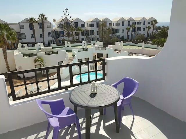 Top floor apartment 5 minutes walk to the beach