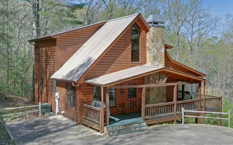 Aska bear cabins for rent in blue ridge georgia united for 8 bedroom cabins in blue ridge ga