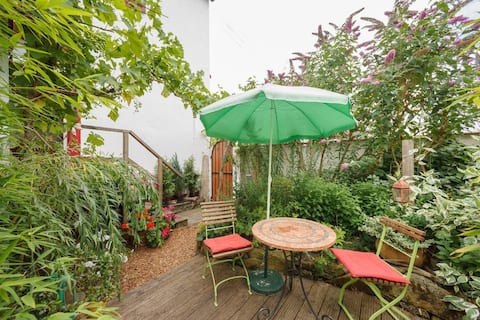Bright apartment with garden.