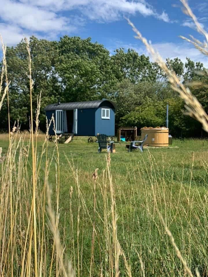 Luxury Shepherds Hut in the Suffolk Countryside