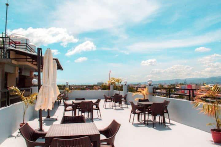 Classy 2 Double Beds Apartment Mactan Cebu w/ WiFi