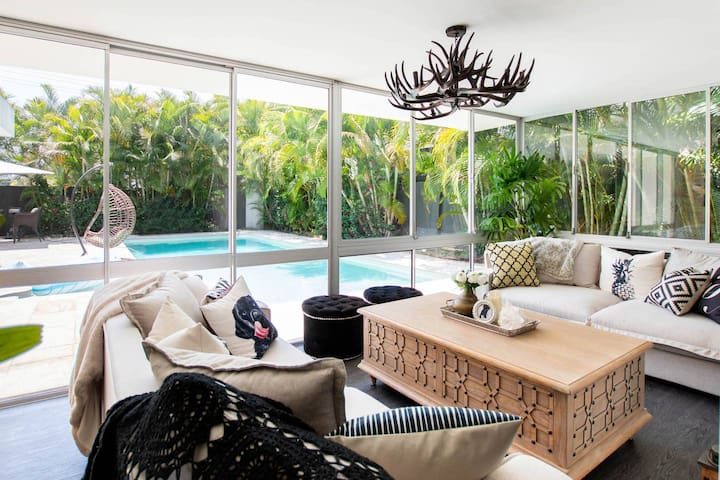 VOGUE HOLIDAY HOMES - LUXE ON CAPRI