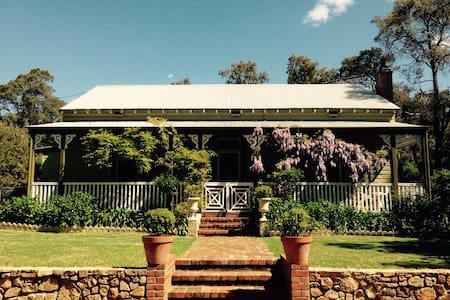 Charming Historic Country Home - Mount Helena