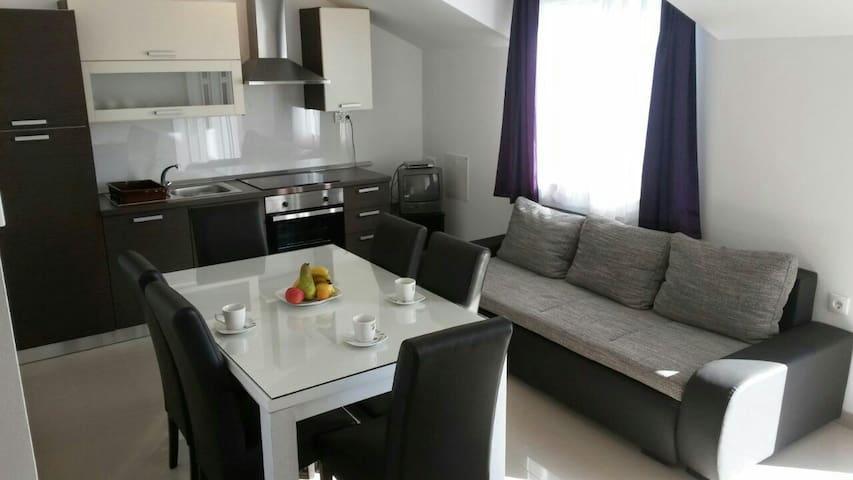 Apartmani Angelina 1 - Brodarica - Appartement