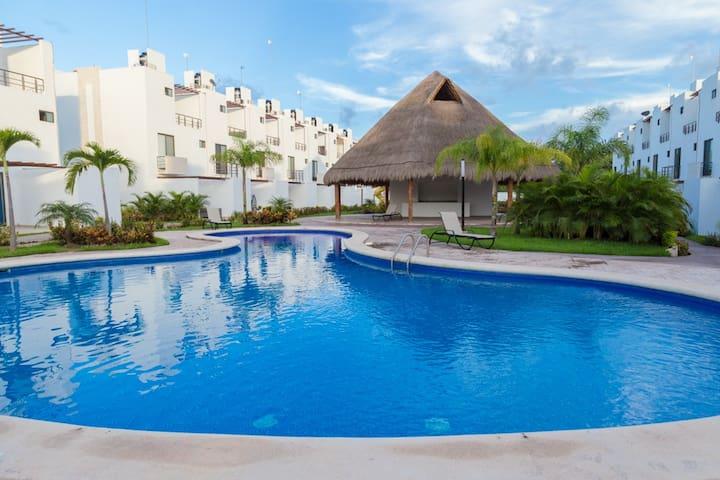 Villa Ana Lucía Private Pool & WiFi, Xcaret 5 Min