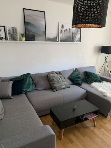 Großes, bequemes Schlafsofa in München
