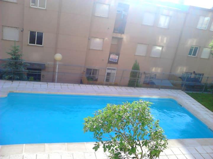 Sol de Poniente con piscina y WiFi