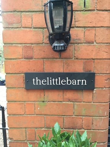 Helen & Paul welcome you to thelittlebarn