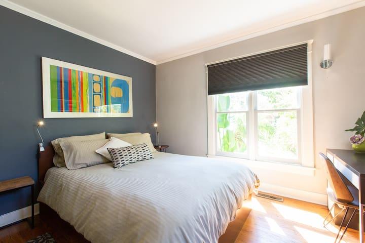 Private and beautiful room in Santa Monica