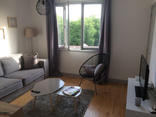 Chambre lit double avec balcon privatif