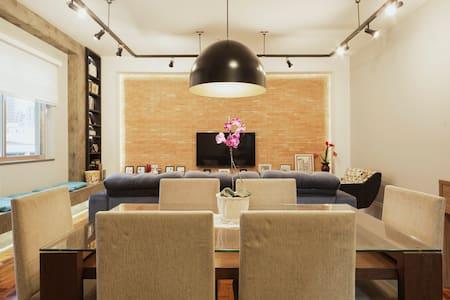 Big Industrial Vintage Style 3 Bedroom Apartment