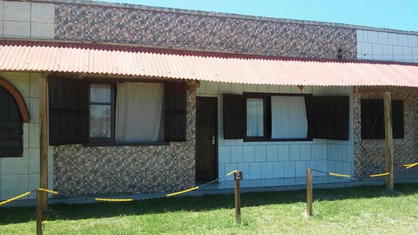 Casa 5  personas 200 metros del mar - Hermenegildo - House