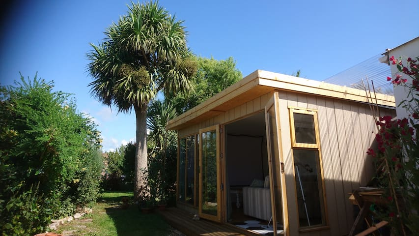 Garden Glamping in Northam North Devon