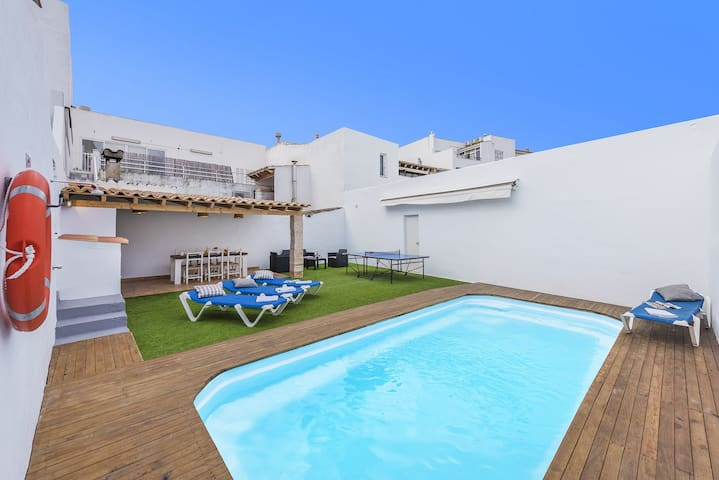 TOWNHOUSE FONTE IN THE CENTRE & CLOSE TO THE BEACH
