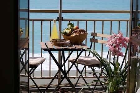 Cozy flat between sea and hills - Marina - อพาร์ทเมนท์