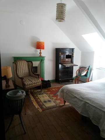 une chambre confortable - Mûr-de-Bretagne - Bed & Breakfast
