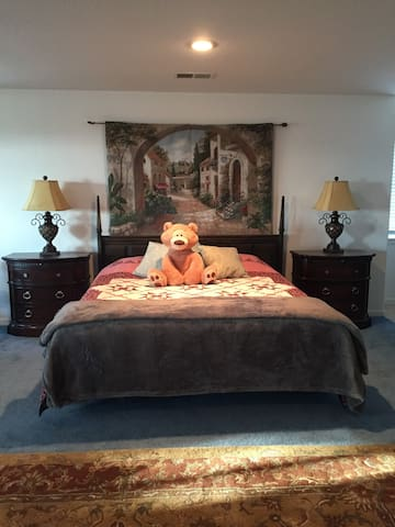 Large Private Guest Room, Yucaipa, CA