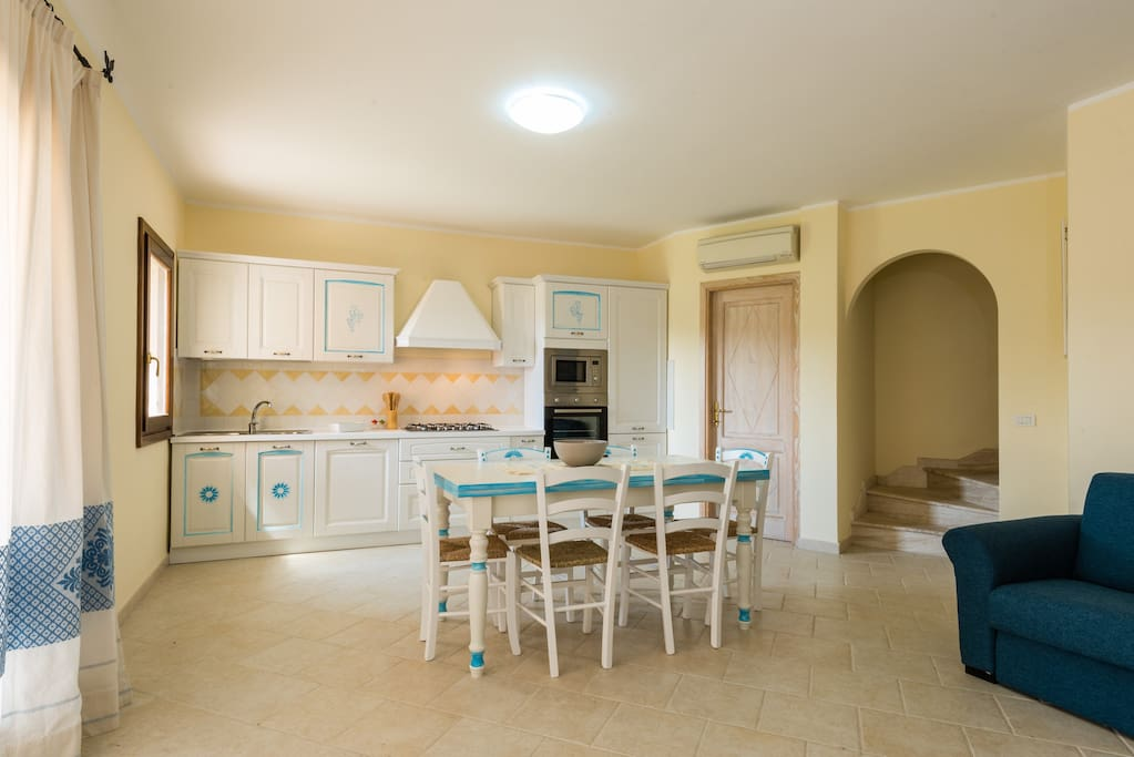 cucina e sala da pranzo/kitchen and dining room