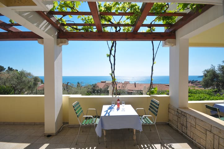 Studio For Two w/sea view+breakfast+shared pool #7