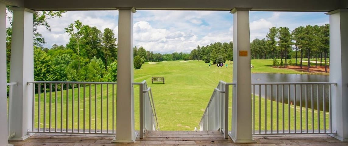 Swink Lodge at Independence Golf Club