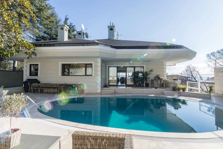 7 Bedroom Spa Pool Lift Private Villa Bosphorus