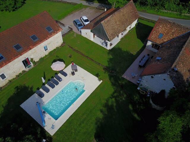 Gîte rural avec piscine et étang