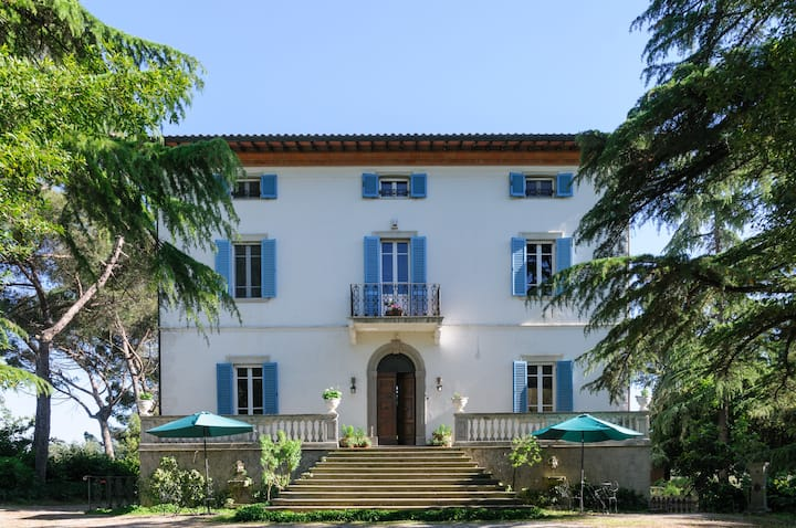 Extremely Fabulous Villa in Italian Countryside