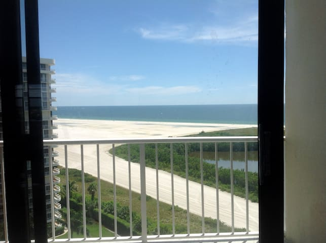 Newly renovated unit right on Tiger Tail beach