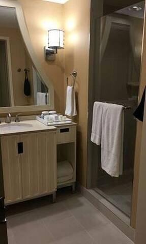 #Loba Hotel - Irigny - Apartemen