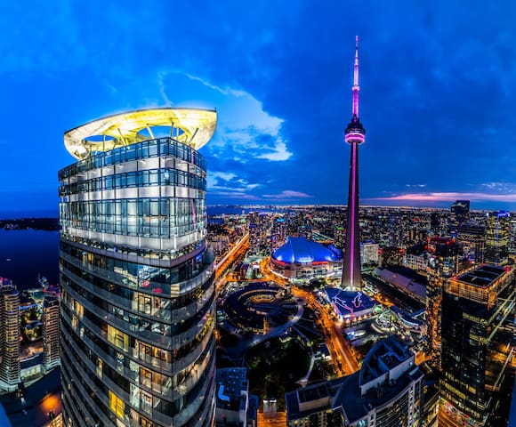 Beautiful Bedroom by CN Tower Best Value For Money