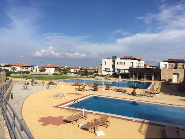 Sea view penthouse in beautiful place - Tatlısu - Квартира