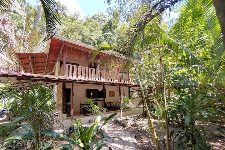 Best Location! House in Santa Teresa. Walk to Surf