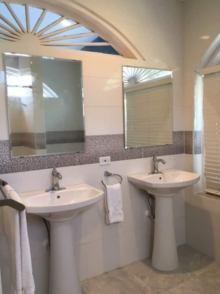 Unit 5 -Bermuda Villa Guest house- (Twizy Charger)