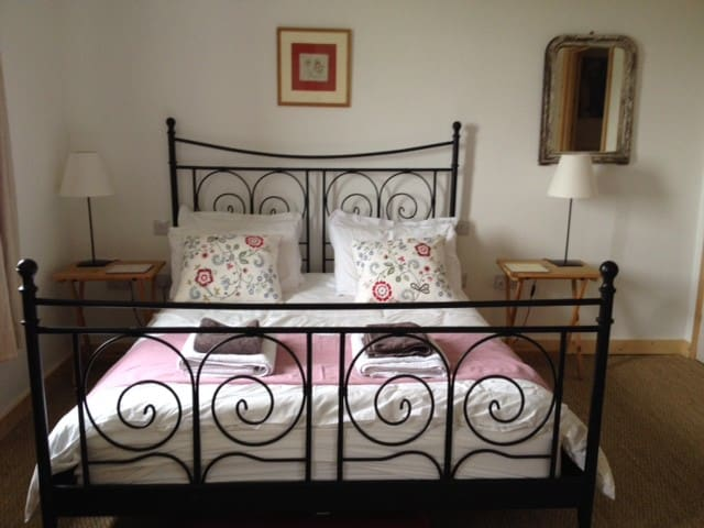 Three Chimneys Farm Holiday cottage and B & B - Goudhurst - Bed & Breakfast