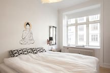 tranquil and relaxing bedroom - kingsize bed