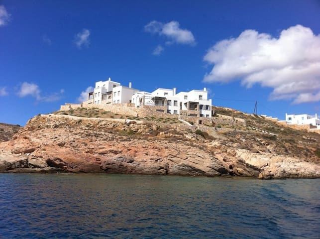 LuxurySeafrontVillaWithPrivateBeach - Syros - วิลล่า