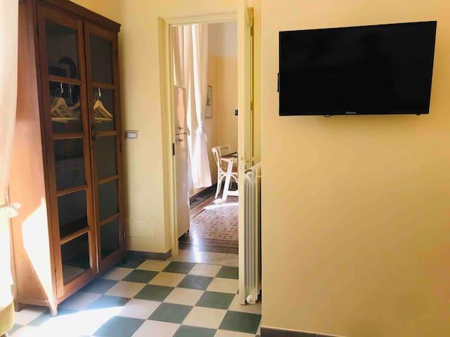 """Appartamento """"liberty  giallo"""" nel cuore di Lecce"""