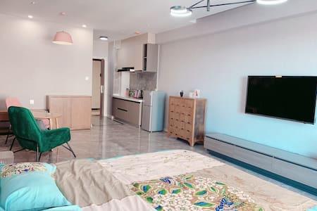 万达遇见公寓.文艺复古.榻榻米大床房