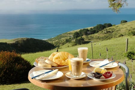 A Room with a View B&B x 2 Studios another vacancy - Wongarra - Bed & Breakfast