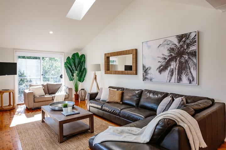 Seagrass House; Modern North Avoca Oasis